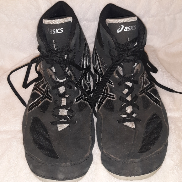wide wrestling shoes asics